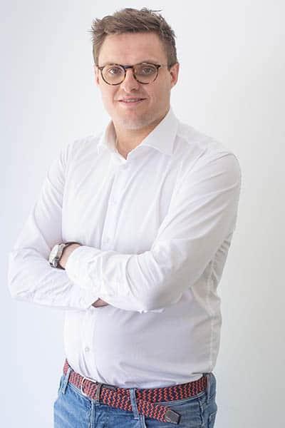 Maxime Destaebel , Fiscalist bij Warfid Waregem